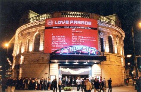 Majestyk nightclub, July 2000