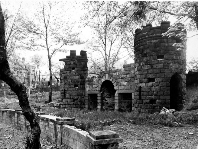 Image of ruins.