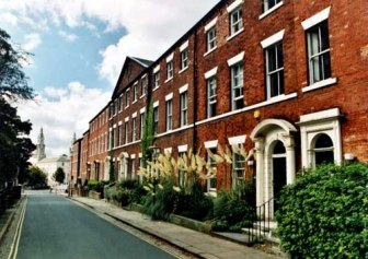 17th September 1999.This view shows a row of houses in Queen Square (c) Leeds Libraries