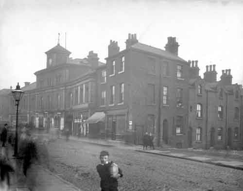 15th April 1897. Smithfield Hotel numbered 94 North Street, landlord William Fawcett (c) Leeds Libraries