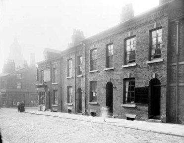 30th September 1913.On the right is no 74 Portland Crescent home of Martin Casey, coal merchant (C) Leeds Libraries